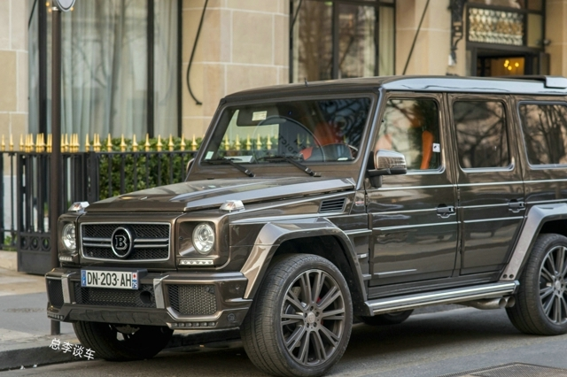 30万的车,花4万改装,给人400多万的感觉,脚踏板出卖了这辆车