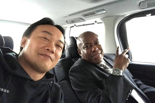 和陈奕迅坐一个车,他的座驾让明星都自愧不如,被称为明星之星