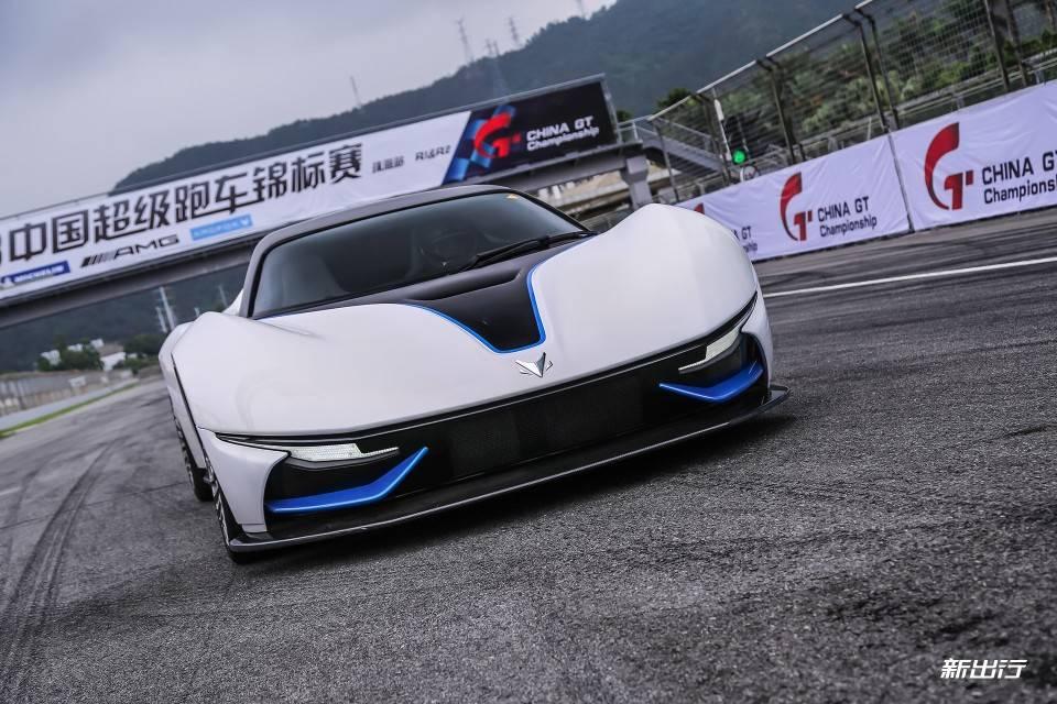 比想象更放松 赛道体验北汽首款纯电动超跑 ARCFOX-7
