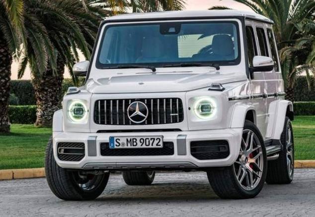 新一代奔驰G级终于来了,还未上市就加价十万,买的人络绎不绝!