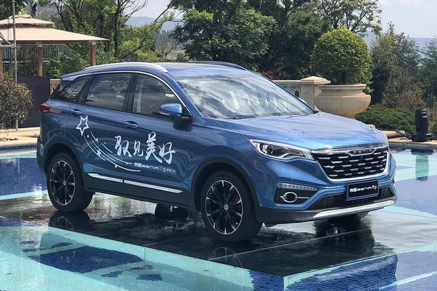 一汽奔腾SENIA R9上市 售8.39.-12.59万