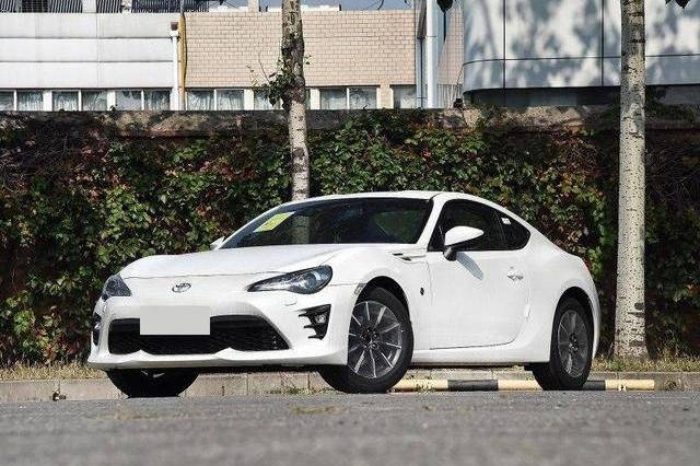 这车二手不但不贬值,还能卖得比原车价更贵,比丰田埃尔法还神气