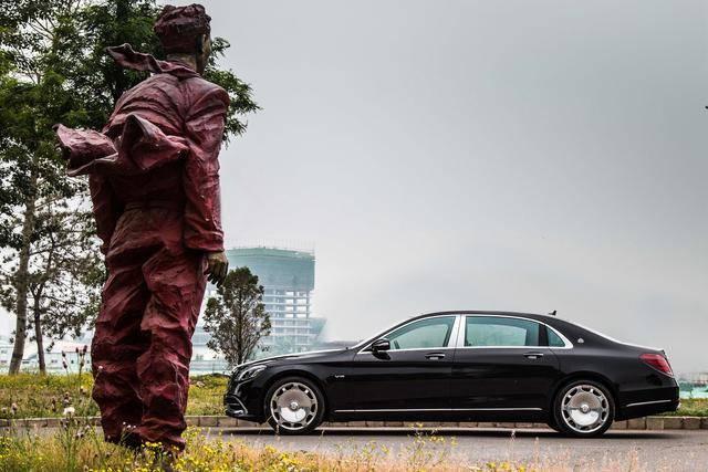 迈巴赫680,一辆车能给予人类的它都能提供!呃,除了油钱