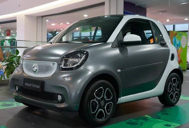 远看以为是穷人车,才2米多还不如QQ大,没想到车价值一台迈腾!