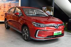 最便宜的紧凑级纯电轿车,仅卖13万综合续航416km,谁看了都心动