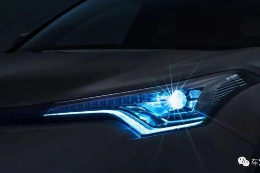 """小型SUV也是""""肌肉男"""",丰田C-HR上市,不火没道理!"""