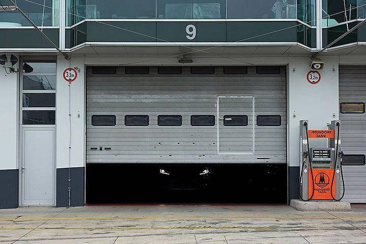 铁门背后,隐藏在黑暗中的新车,这款性能SUV竟出自他们之手