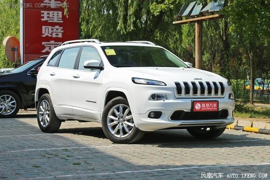 Jeep自由光 哈尔滨现车优惠3.5万元