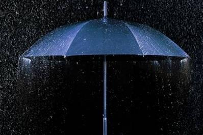 别忘了带上这把伞