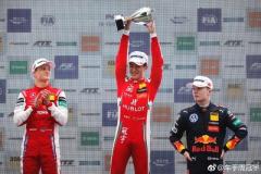 中国车手获F1敲门砖?周冠宇年底冲击F3总冠军拿超级驾照