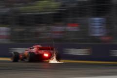 F1新加坡站FP3:维特尔最快 法拉利包揽前二
