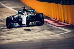 F1新加坡站汉密尔顿豪夺杆位 维斯塔潘P2维特尔P3