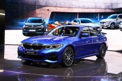 新车图解:全新一代BMW 3系,一步 迈了7年
