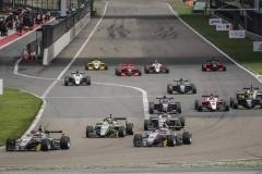 亚洲F3上海站第七回合 休斯强势首秀杆位取胜