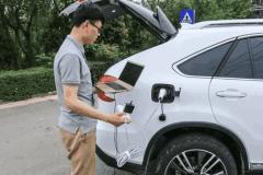 比亚迪新能源车换电池费用一曝出,车主炸了:这钱够我加5年油了