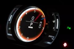 揭秘发动机转速红区:看看你能爆多少转!