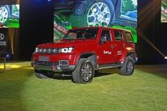 北京BJ40 PLUS城市猎人版/柴油版上市 售16.99万元起