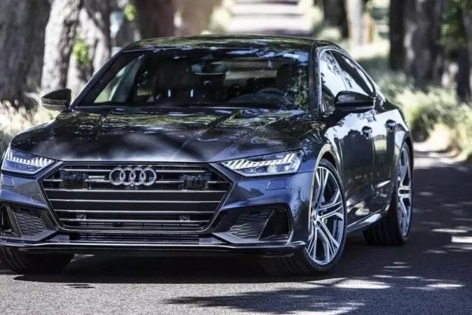 全新一代奥迪A7国内上市,动力升级力压奔驰CLS
