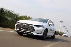 比亚迪秦Pro EV500 做适合中国家庭的电动轿车