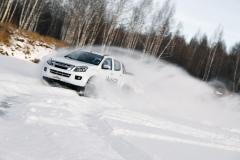 五十铃D-MAX上演冰上华尔兹 谁说柴油车在低温不行