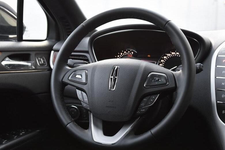 新车底盘锈蚀的SUV卖到38万,为何仍有极高关注度?