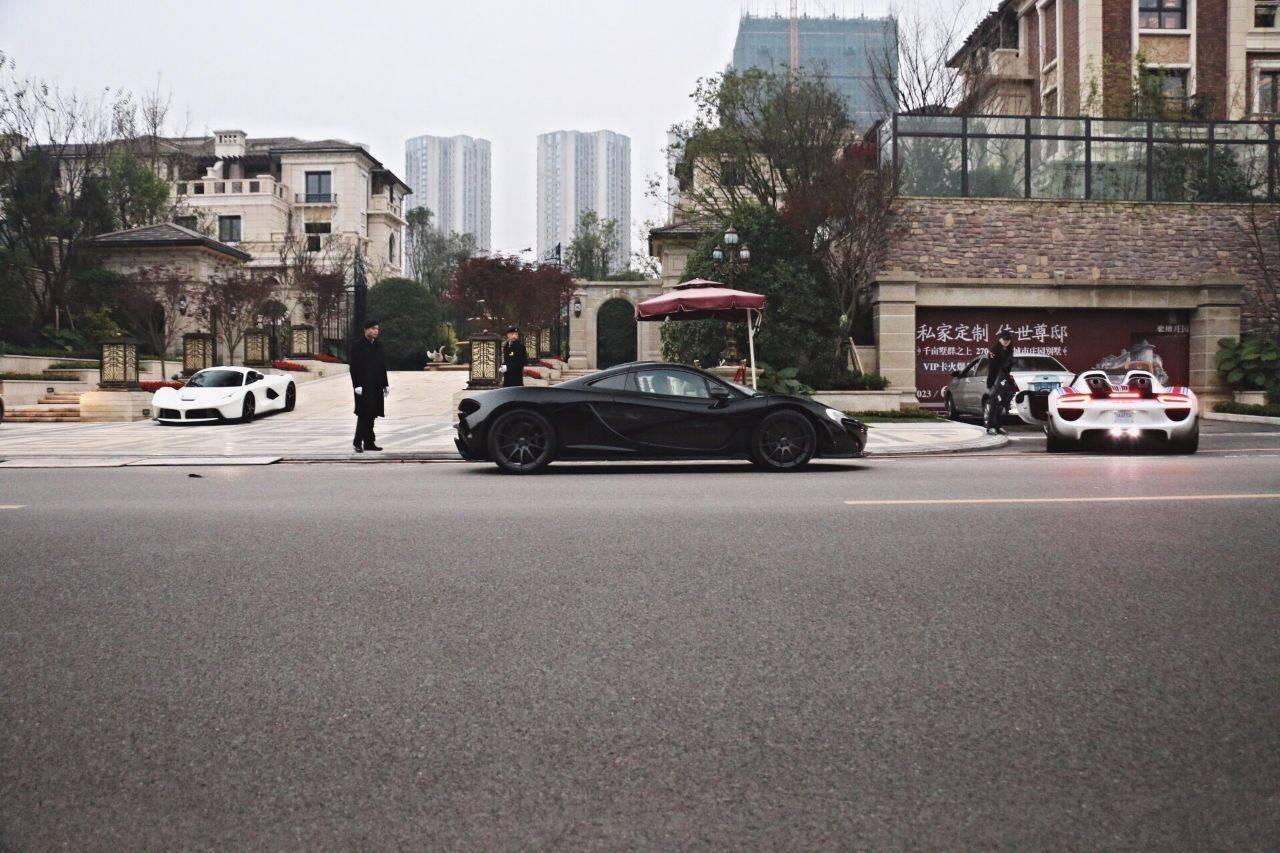曾买下中国第一台M6,仅运费就花费了50万,很少有人认识他