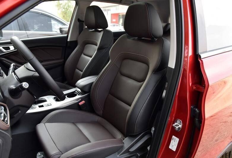 标配1.5T且搭载全景天窗的紧凑型SUV仅7万,为何销量惨淡