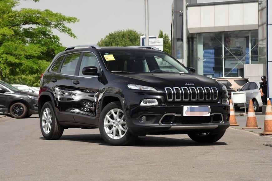 Jeep自由光和昂科威作比较,你们感觉哪款车更好一点呢?