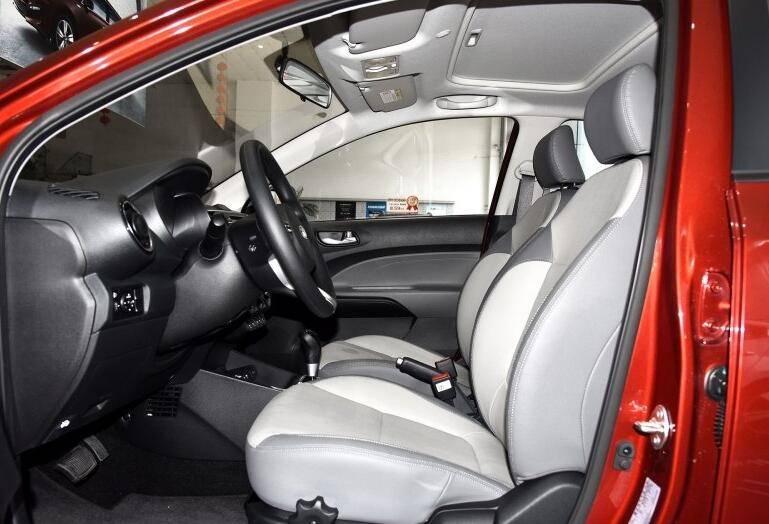 未配备铝合金轮毂的小型车卖7万,为何关注度极高?