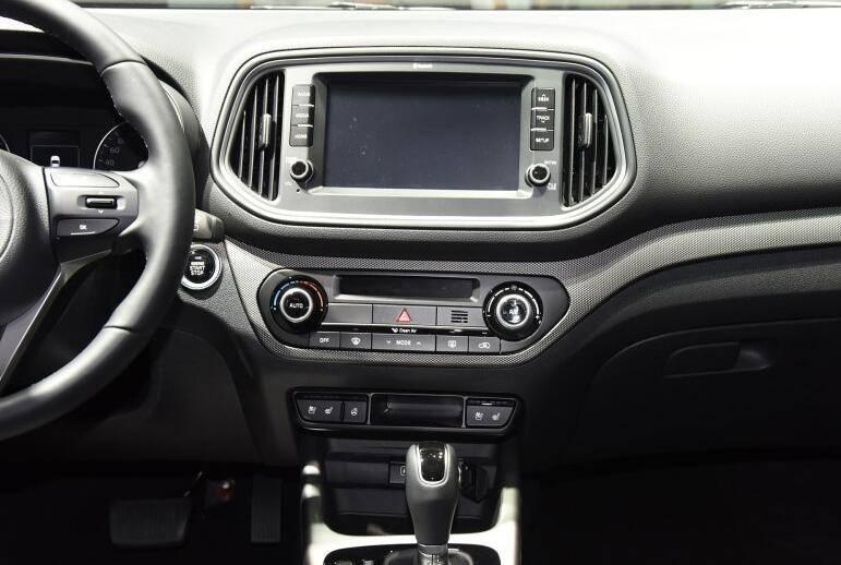 搭载全景天窗的高颜值合资SUV仅7万,为何销量未超200辆