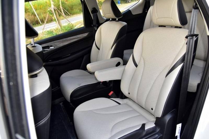 宝骏730和长安欧尚A800同为MPV,谁的空间更大更实用?