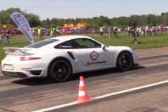 新款保时捷911 Turbo S加配碳纤维轮毂 价格更低