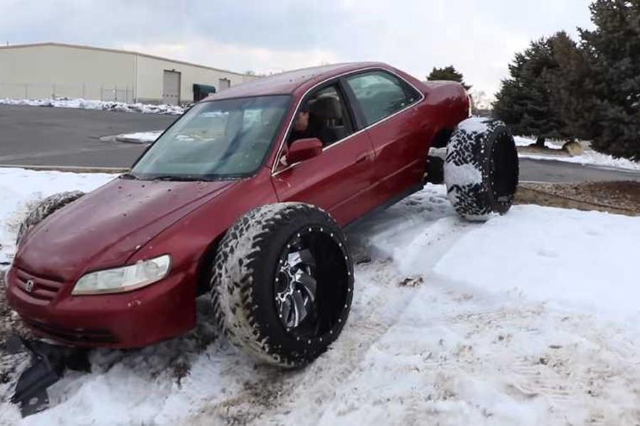 雅阁搭配卡车大轮胎,真的不实用吗?让我们做个实验