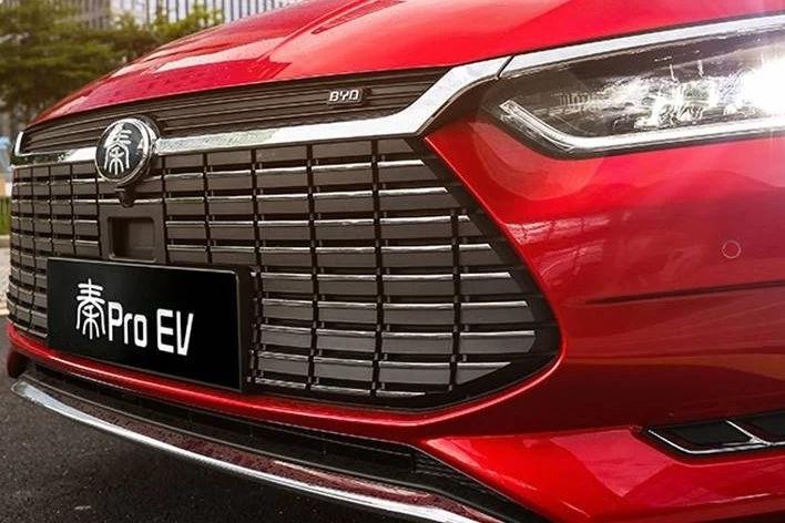 合资和自主对决,轩逸纯电与秦Pro EV500,到底怎么选?