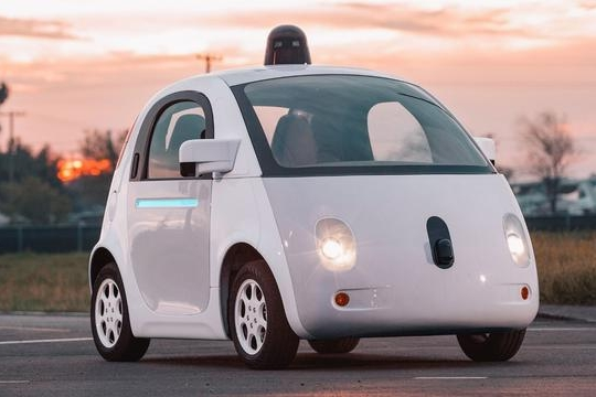 路咖与车:地球上最好的自动驾驶 现在配不配上路?