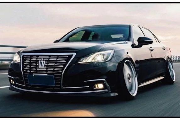 14代皇冠成为中国特供版,为原汁原味车主亲手移植日规外观!