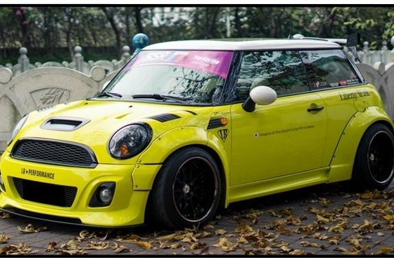 卖车为女朋友打造LB宽体Mini,遇到玩车的男人就嫁了吧!