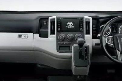 等了15年,丰田最强面包车终于换代,国内车企又准备抄个遍?