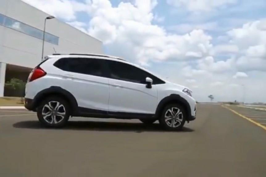 这款小型SUV 飞度底盘打造 1.5升动力油耗仅4升 还买什么宝骏