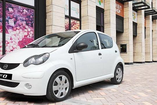 路咖与车:月薪3000也能拿下 比亚迪最便宜的电动车E1解析