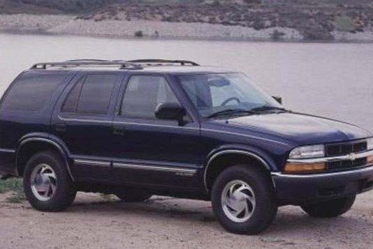 明明是辆科迈罗,它却要把自己打扮成SUV的样子