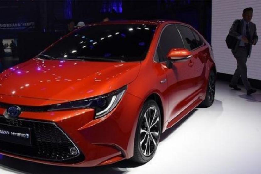 2019款新丰田雷凌,搭2.0L发动机,混动版本配1.8L发动机
