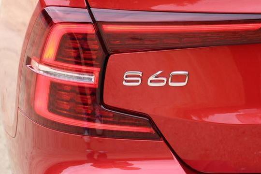 路咖与车:沃尔沃S60明年换代 帕萨特降价+奔驰C降价