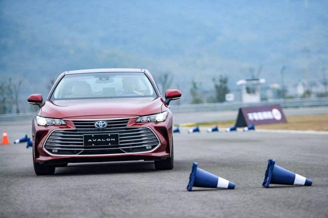 期待已久的B级车新秀  全新亚洲龙演绎协同作战?