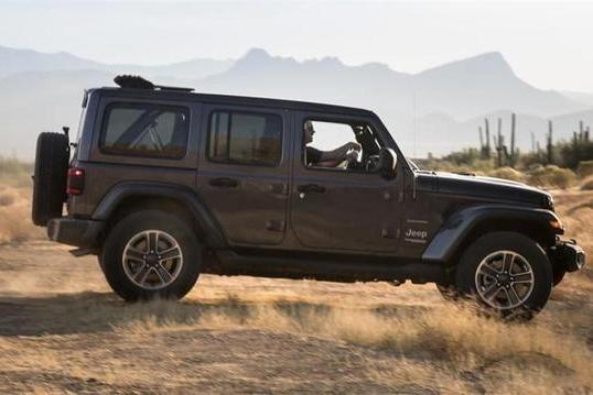 Jeep推出47.99万电动敞篷版牧马人,网友:买这车之前得先学断句