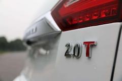 都是2.0T黄金排量,为何奔驰和绅宝动力相差204马力?差在哪了?