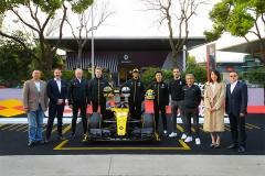 雷诺F1®车队R.S.19全新赛车首次在国内亮相