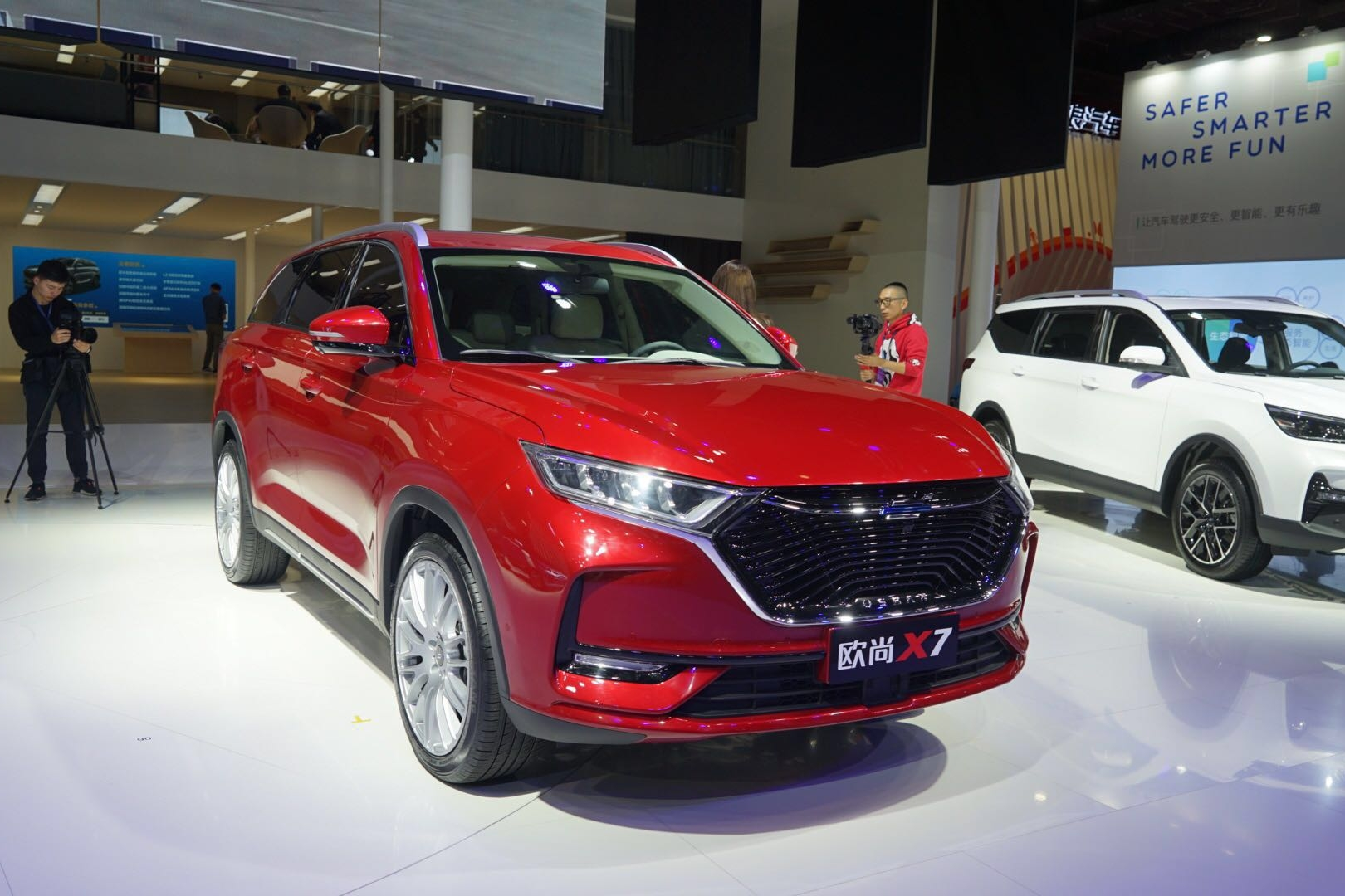 2019上海车展|长安欧尚汽车首款紧凑型SUV 长安欧尚X7正式亮相