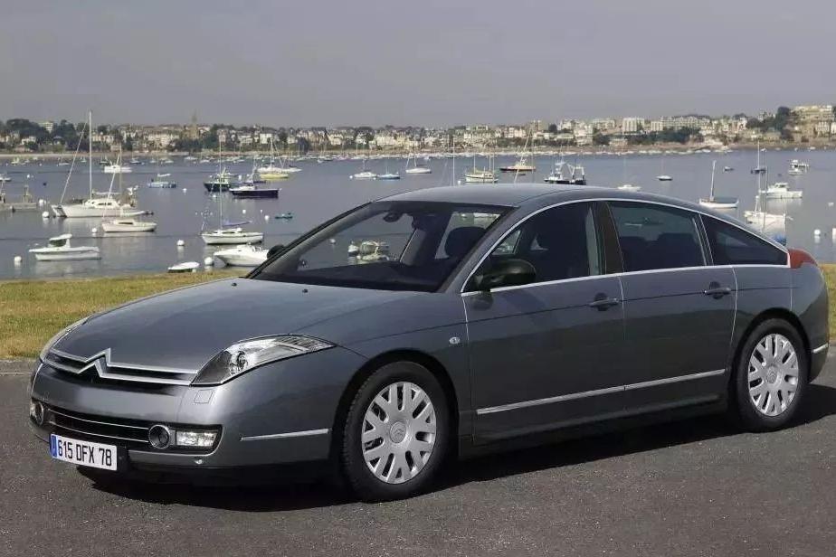 20万的法系旗舰轿车比迈腾还大还舒服,我为什么不买它?