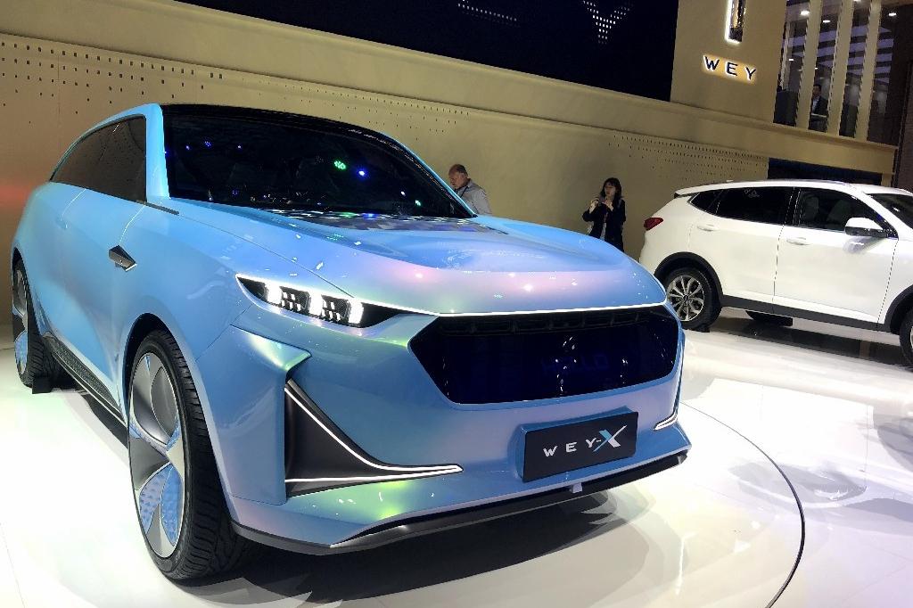 上海车展必看的概念车 WEY-X 4.6s破百 薄荷绿车身带你穿梭未来